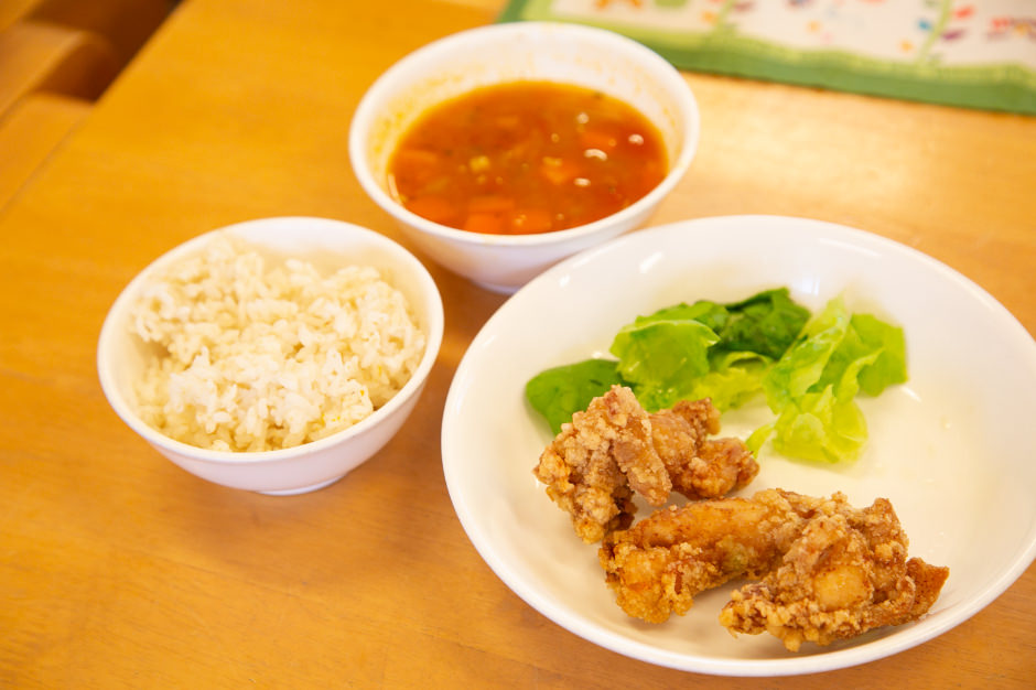 紅葉幼稚園の完全自園調理の給食